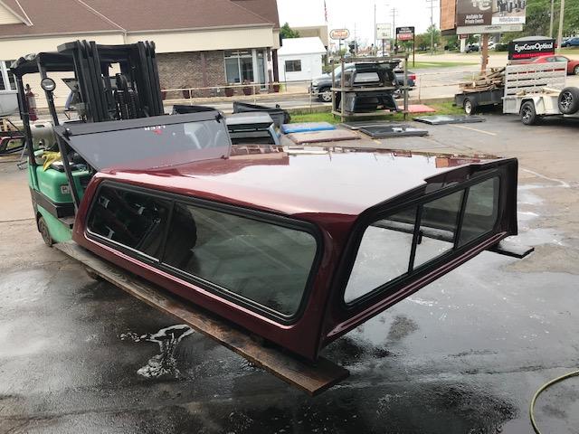 LEER 100R Cap for new body Chevy Silverado